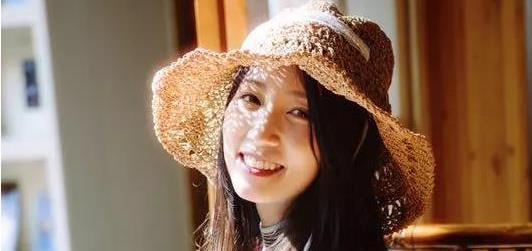 王子文最爱甜品师,她的笑容甜到让人窒息——她却最爱万博manbetx客户端最爱Famous